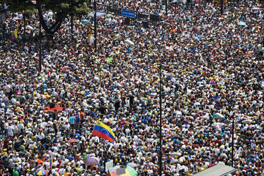 Manifestantes da oposição realizam protestos em Caracas, capital da Venezuela - 01/05/2019