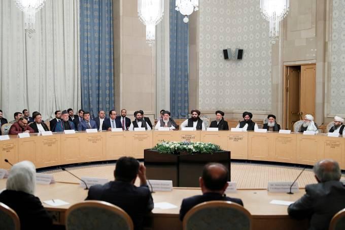 Encontro entre o Talibã e políticos da oposição afegã