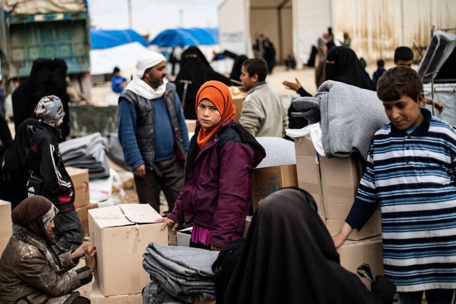 Mantimentos e remédios são enviados por organizações humanitárias