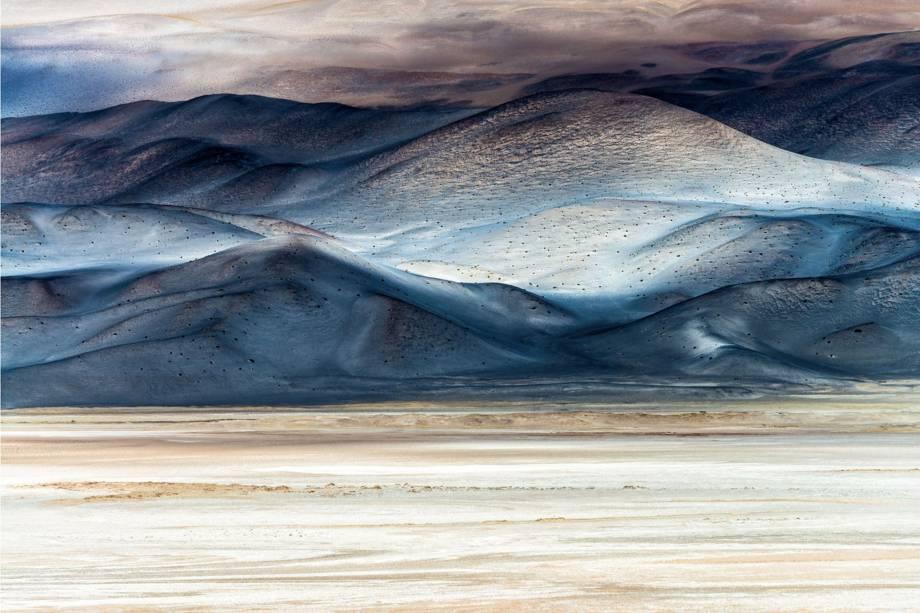 Imagem vencedora da categoria Arte da Natureza, mostra Salar de Antofalla, uma das maiores salinas do mundo, localizada na Argentina