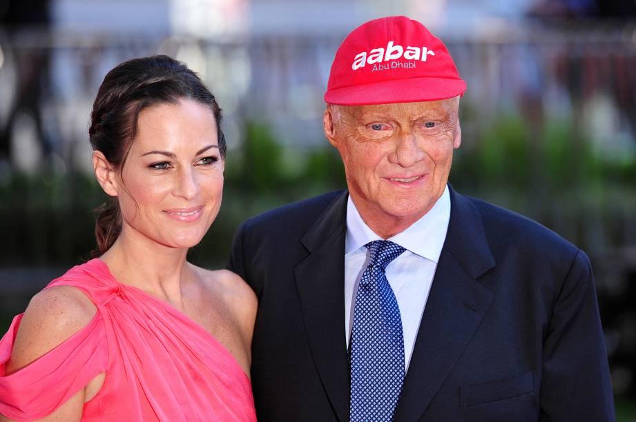 Niki Lauda e a mulher Birgit durante a estreia do filme Rush, em 2013