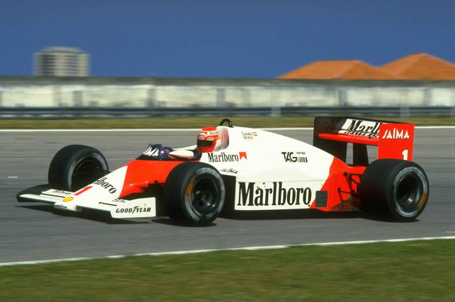 Niki Lauda correndo pela McLaren no GP do Brasil, no Rio de Janeiro, em 1985