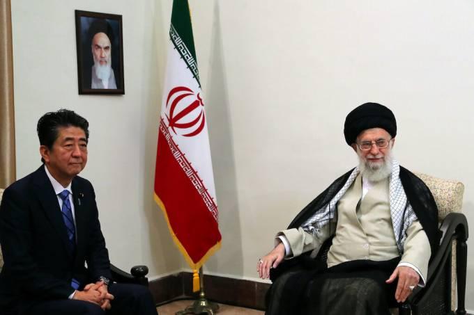 Shinzo Abe e Ali Khamenei