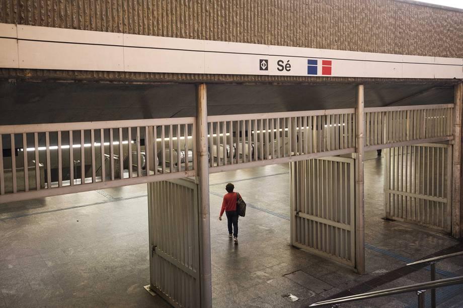 Pouco movimento na estação da Sé do metrô, no centro de São Paulo, durante greve geral de servidores contra a reforma da Previdência convocada pelas centrais sindicais - 14/06/2019