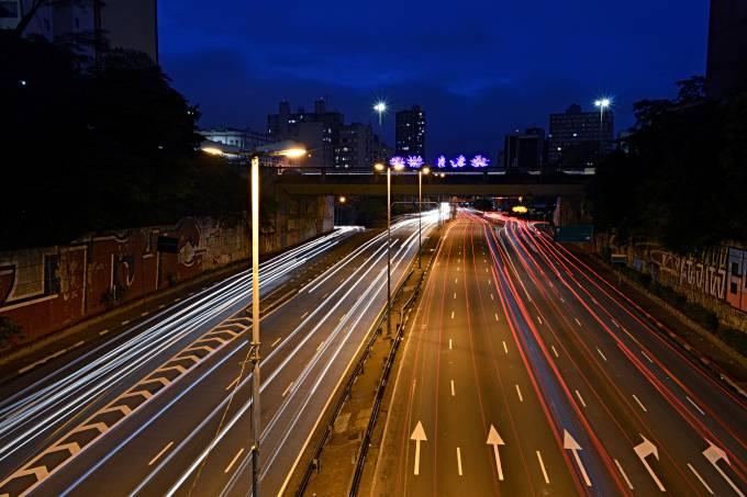 Iluminação na Radial Leste em São Paulo