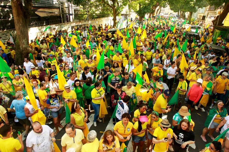 Manifestantes participam de ato em apoio ao ministro da Justiça e da Segurança Pública, Sergio Moro, e à Operação Lava Jato, na Avenida Nazaré, centro de Belém (PA) - 30/06/2019