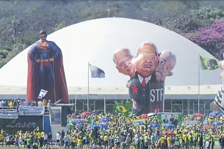 Pixuleco do ministro Sergio Moro durante protesto em Brasília (DF) - 30/06/2019