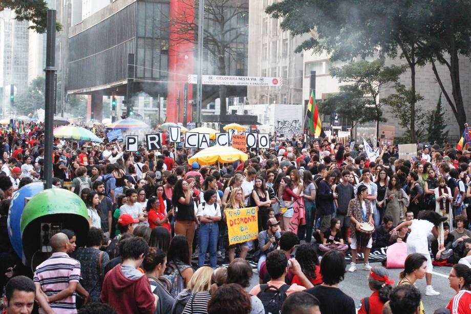 Manifestantes se reúnem em protesto contra reforma da Previdência, realizado em frente ao Museu de Arte de São Paulo (Masp), na avenida Paulista - 14/06/2019