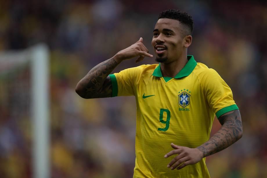 Gabriel Jesus comemora o primeiro gol da seleção brasileira contra Honduras durante amistoso disputado em Porto Alegre