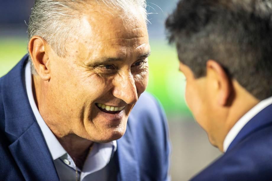 Tite, técnico da Seleção Brasileira, cumprimenta Eduardo Villegas, técnico da Bolívia - 14/06/2019