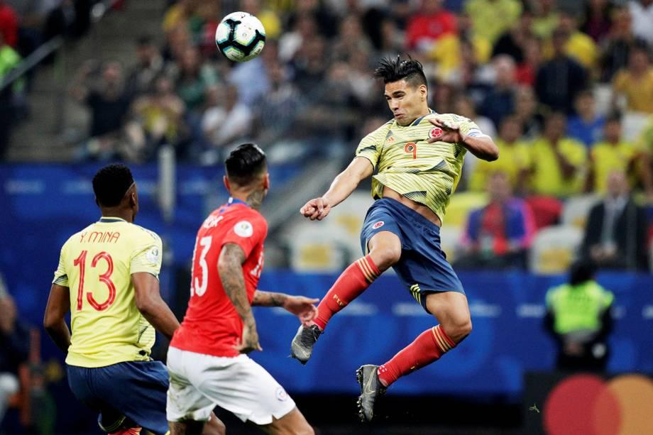 Falcao García cabeceia bola durante partida entre Colômbia e Chile, válida pelas quartas de final da Copa América, realizada na Arena Corinthians, em São Paulo (SP) - 28/06/2019