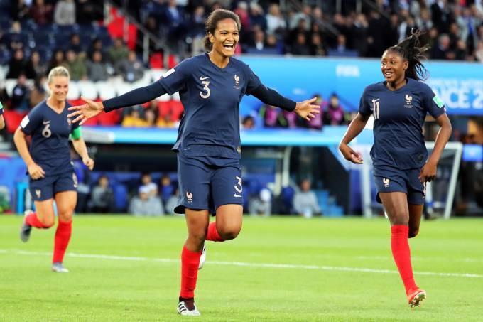 Copa do Mundo Feminina – França x Coreia do Sul – Wendie Renard