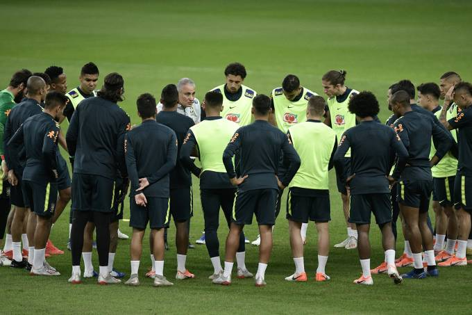 Seleção brasileira treina em Porto Alegre