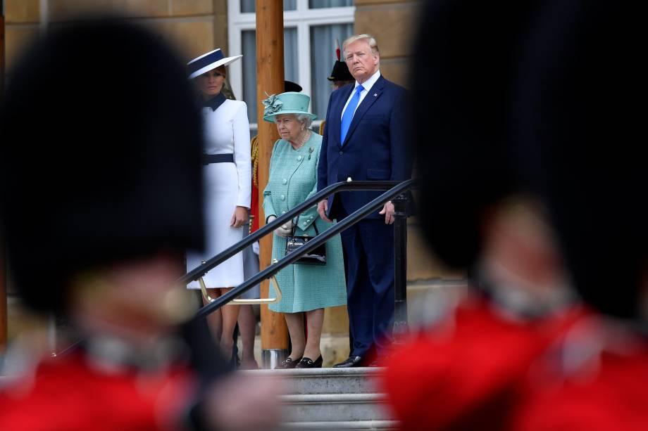 Donald Trump e Melania Trump são recebidos pela rainha Elizabeth II no palácio de Buckingham durante visita de Estado do presidente dos Estados Unidos ao Reino Unido - 03/06/2019