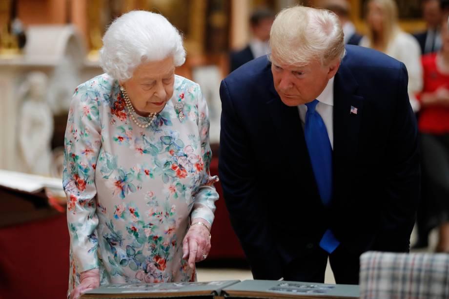 Donald Trump é recebido pela rainha Elizabeth II no palácio de Buckingham durante visita de Estado do presidente dos Estados Unidos ao Reino Unido - 03/06/2019