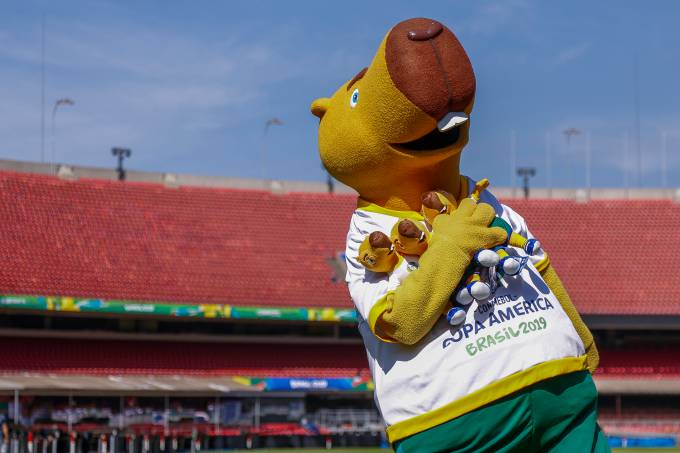 Mascote Zizito, da Copa América, no Morumbi