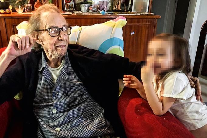 João Gilberto e neta