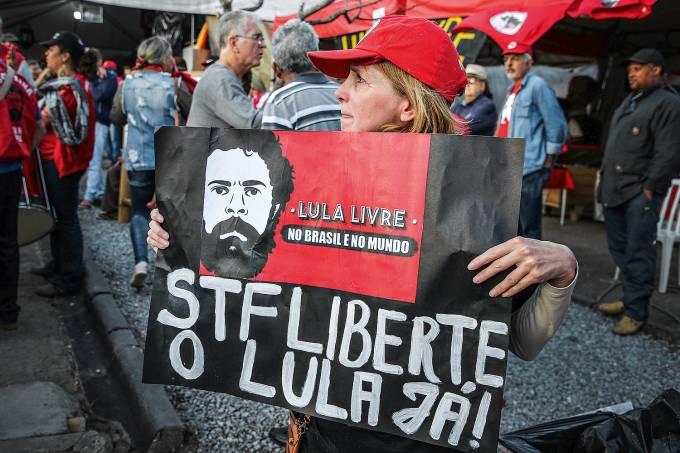 Protesto a favor de Lula