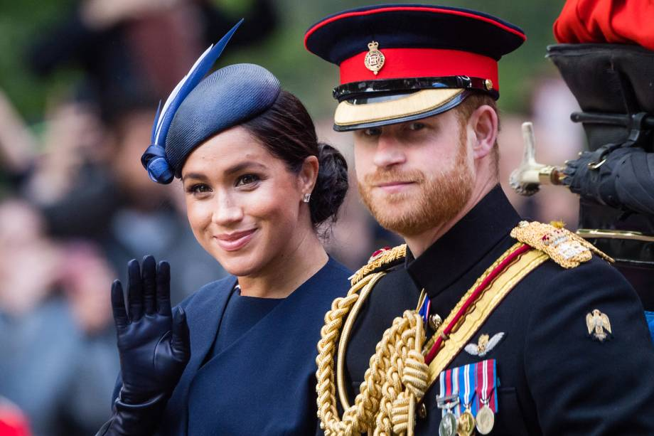 O príncipe Harry e Meghan Markle, duque e duquesa de Sussex, chegam de carruagem à parada anual Tropping de Colour que celebra o aniversário da Rainha Elizabeth II, em Londres - 08/06/2019