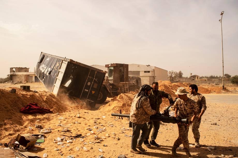 Membros da brigada Yarmuk são vistos no subúrbio de Wadi Rabie, localizado nos arredores de Trípoli, capital da Líbia - 03/05/2019