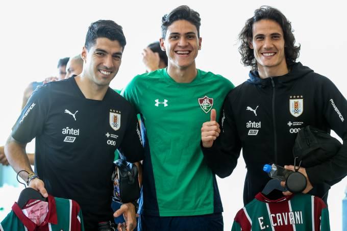 Luis Suárez, Pedro e Cavani, antes do treino do Uruguai
