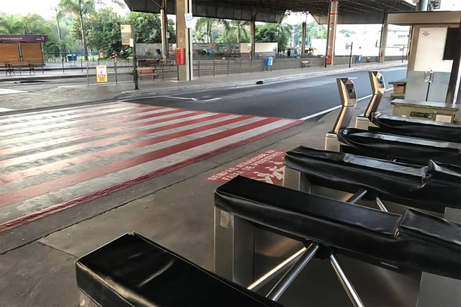 Terminal São Paulo em Sorocaba (SP) vazio durante greve geral - 14/06/2019