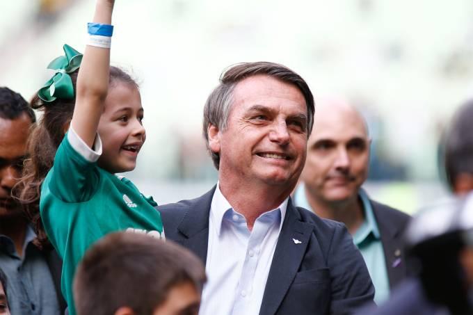O presidente Jair Bolsonaro antes do jogo entre o Palmeiras contra o time do Vasco