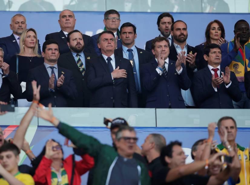 O presidente Jair Bolsonaro junto com o ministro da Justiça e Segurança Pública Sergio Moro na final da Copa América 2019
