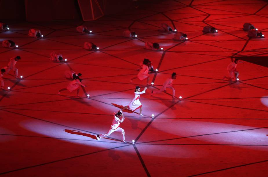 Dançarinos fazem coreografia durante abertura do Jogos Pan-americanos, em Lima, no Peru