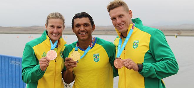 Isaquias Queiroz garantiu a medalha de ouro no C1 Masculino 1000 metros, os bronzes foram conquistados por Ana Paula Vergutz(K1 Feminino 500 metros) e Vagner Souta(K1 Masculino 1000 metros)