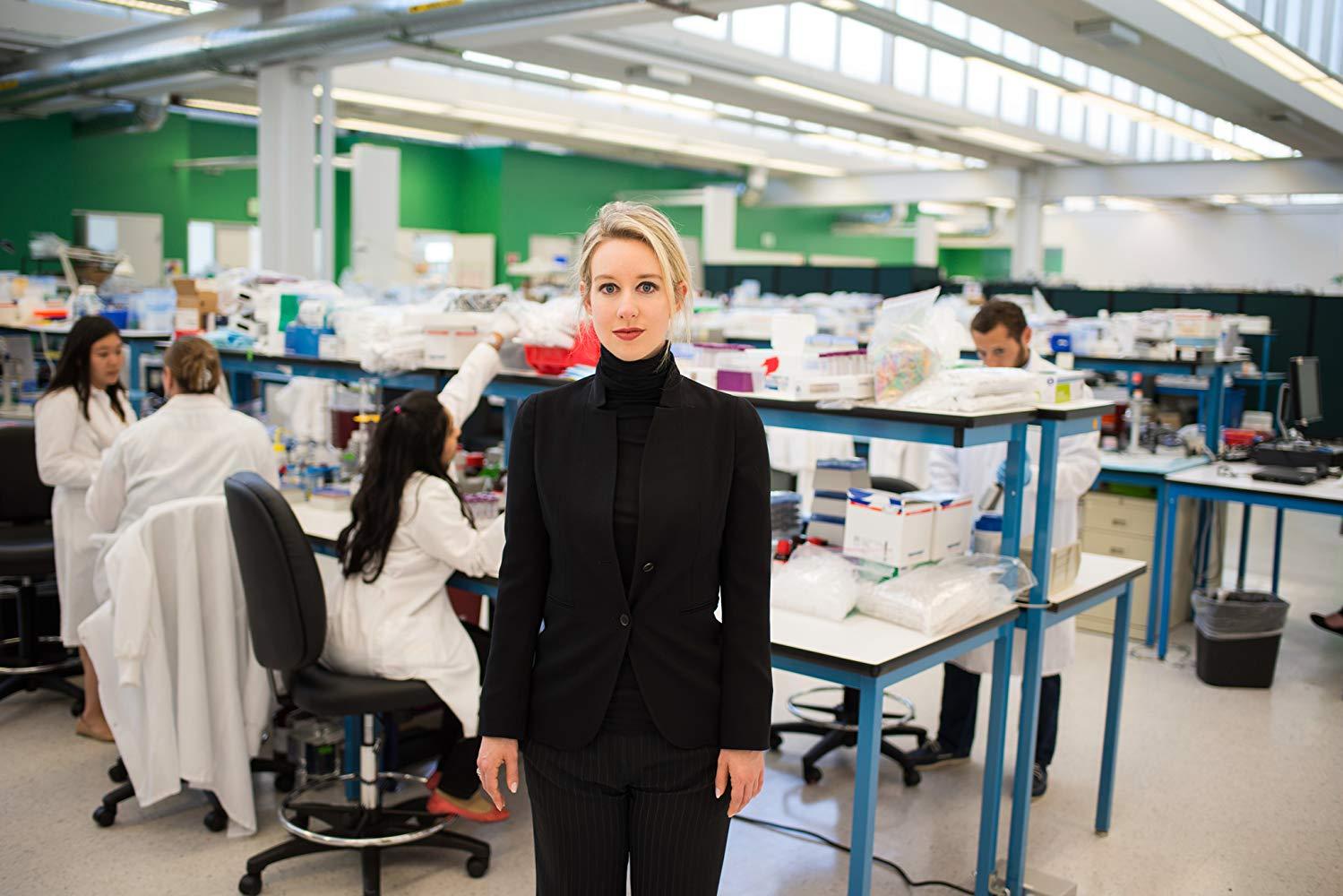 'A Inventora': documentário da HBO retrata a fraude da empresa Theranos, da empresária Elizabeth Holmes