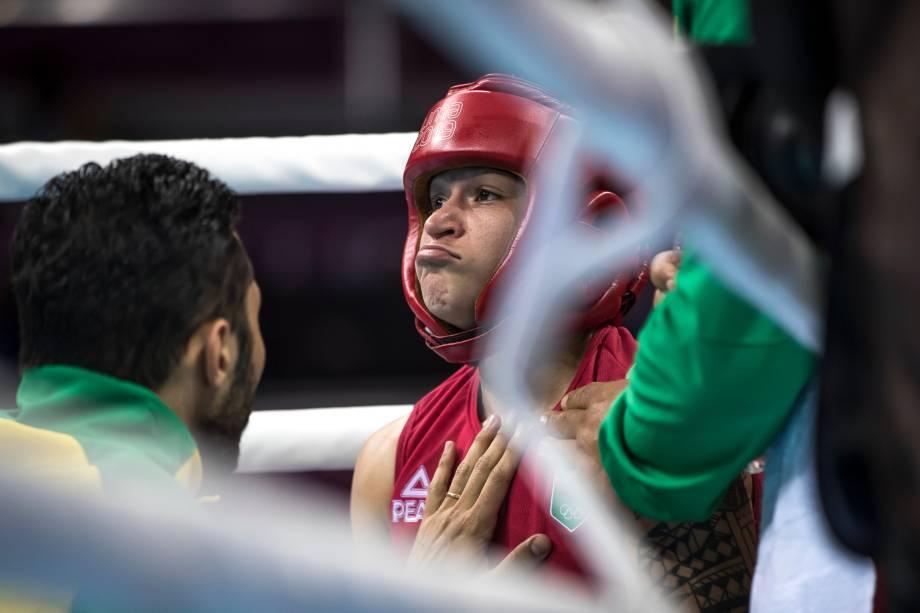 A brasileira Beatriz Ferreira durante luta de boxe com a americana Rashida Ellis