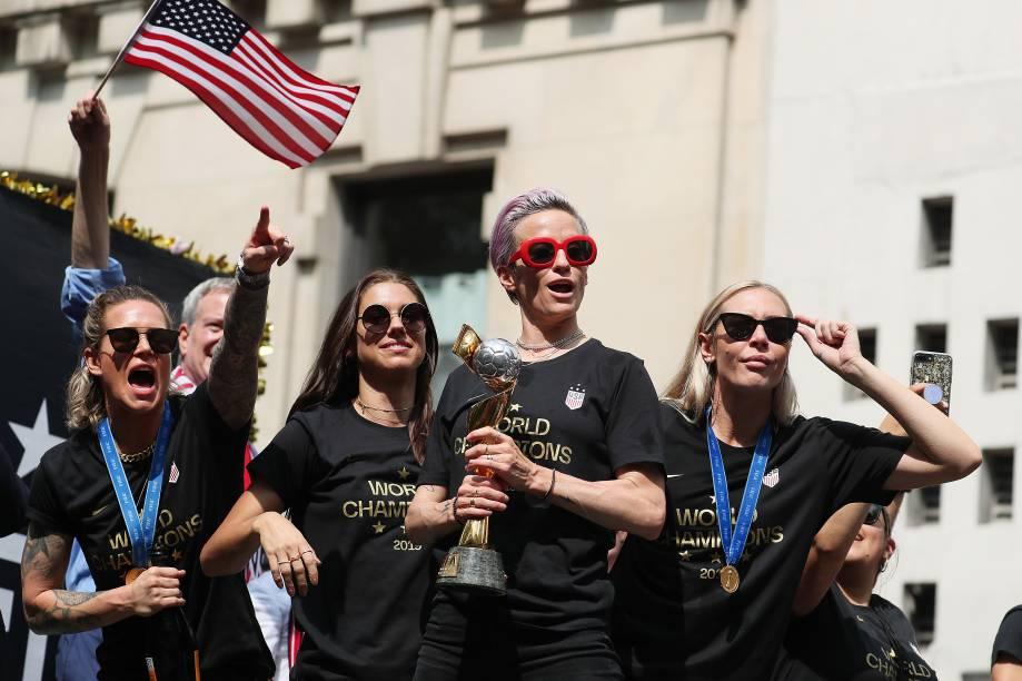 Ashlyn Harris, Alex Morgan, Megan Rapinoe e Allie Long comemoram a conquista da Copa do Mundo pela seleção feminina de futebol dos Estados Unidos em Nova York - 10/07/2019