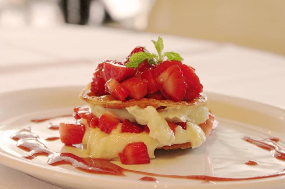 Mil-folhas de morango: sobremesa do jantar