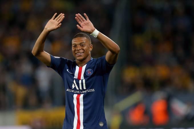 Kylian Mbappé foi o destaque do PSG na vitória sobre o Dínamo Dresden