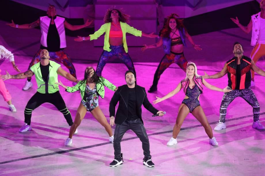 O cantor Luis Fonsi em performance durante a abertura dos Jogos Pan-americanos de 2019, no Peru