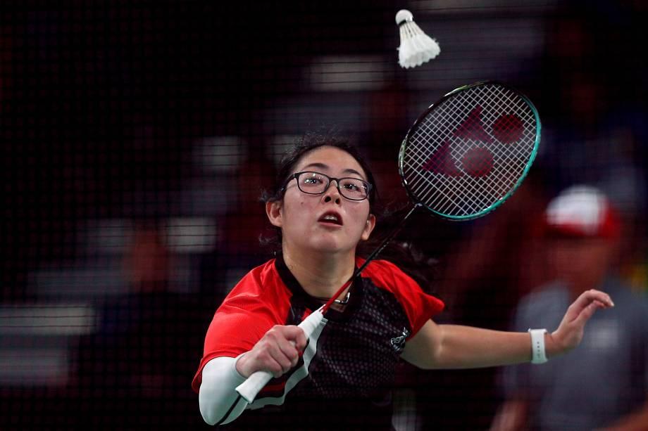 Danica Nishimura, do Peru, em ação no badminton, na Villa Deportiva Nacional, em Lima