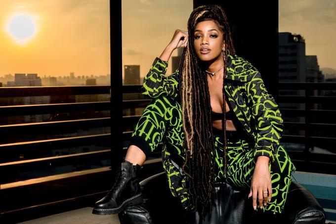 EXPLOSÃO – IZA: de cantora sem estilo a estrela de personalidade forte