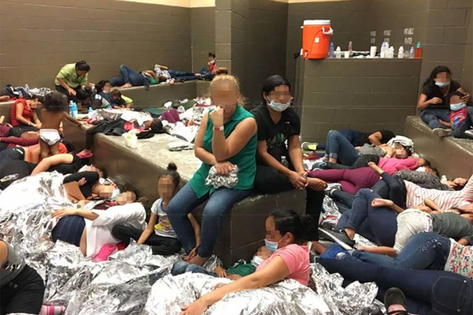 Departamento de Segurança Interna dos Estados Unidos (DHS) denunciou superlotação e a insegurança nos centros de detenção de imigrantes ilegais no Texas