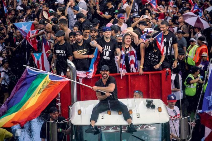 Rick Martin em protesto em Porto Rico