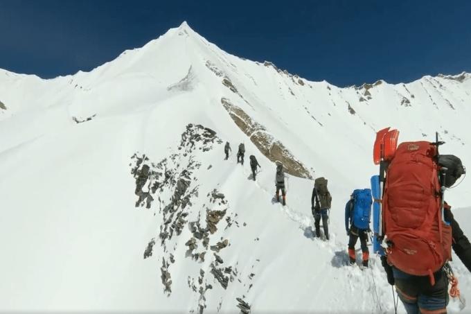 Alpinistas desapareceram escalando o Himalaia