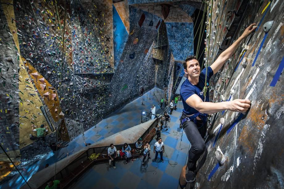 Leandro Caldeira, CEO da operação brasileira da Gympass, treina escalada na Casa de Pedra, em São Paulo: startup já está presente em catorze países, de San Marino aos Estados Unidos