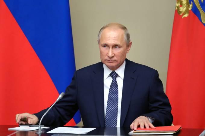 Putin fala sobre saída do INF
