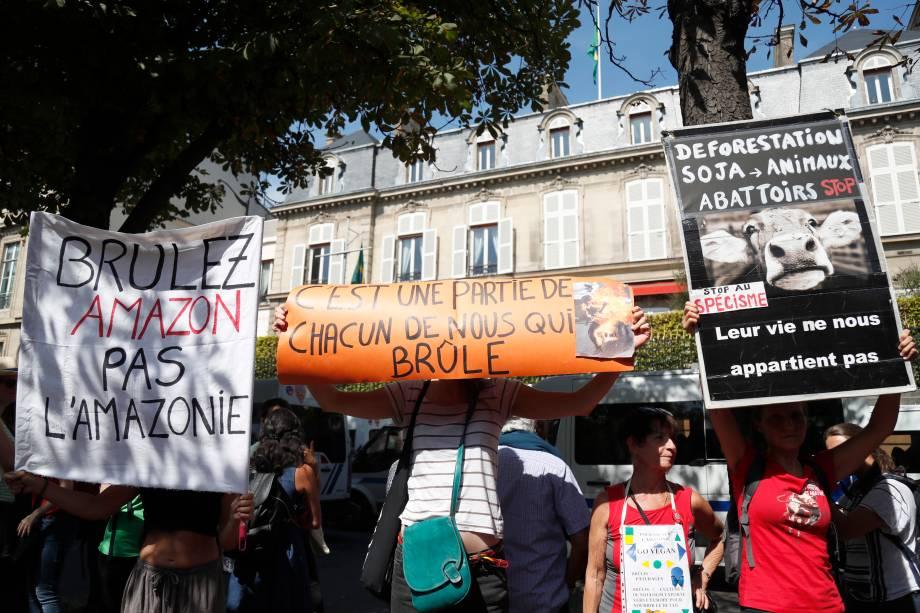 Protesto na embaixada de Paris - 23/08/2019