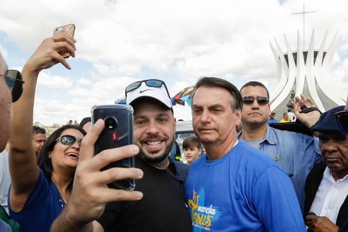 Jair Bolsonaro na Marcha para Jesus pela Família e pelo Brasil
