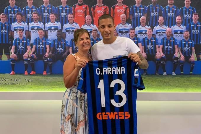 Guilherme Arana foi apresentado na Atalanta