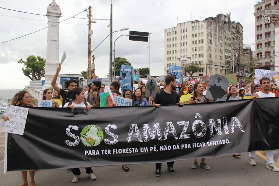 Protesto em Salvador contra a política ambientla do governo Bolsonaro para a Amazônia - 23/8/2019