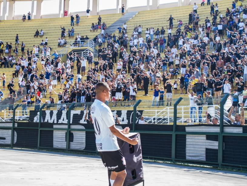 Danilo, do Corinthians, comemora gol marcado na partida
