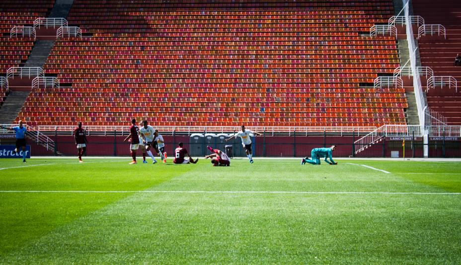 Cauê, do Corinthians, marcando o terceiro gol do time na partida