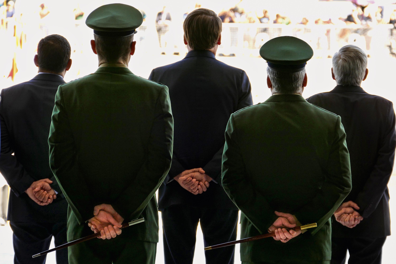 CRISE -Militares: até eles estavam insatisfeitos com o início de Bolsonaro